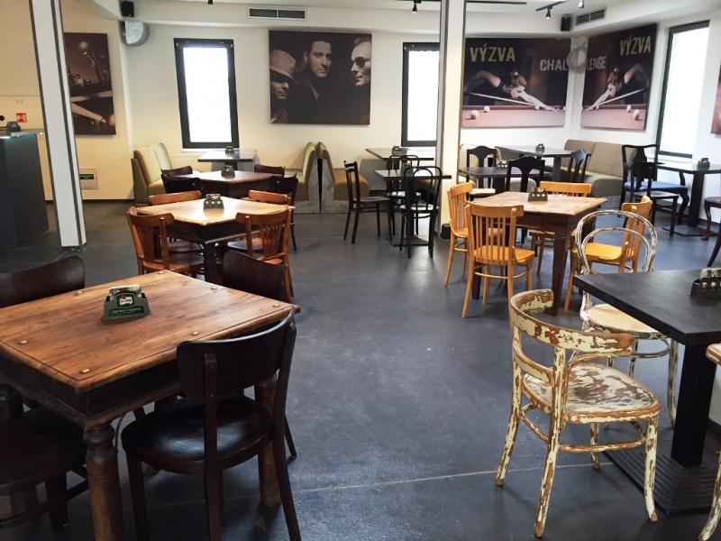 Café Harlequin