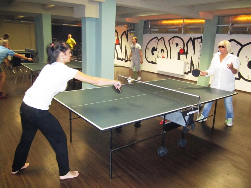 Ivanka Courtonová a Hanička Čížková - kulečník, billiard, ping pong Praha 10, Harlequin Praha