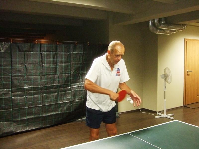 Saša Fedoročko                       kulečník - billiard - snooker - ping pong - stolní tenis - Praha 10 - Harlequin Praha - bowling - šipky - fotbálek - zábava - feremní večírky - svatby