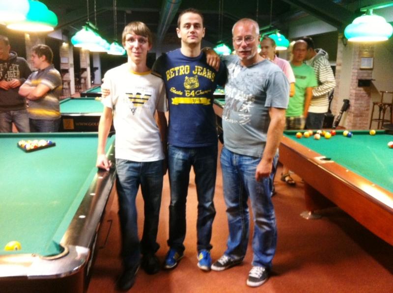 Ha Ha Harlequin Praha před turnajem- kulečník, billiard, ping pong Harlequin Praha 10