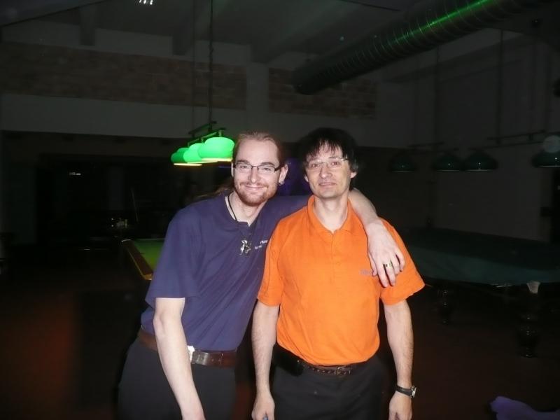 Tadeáš Skopal a Robin Vladyka třetí na mistrovství republiky v kulečníkovém billiardovém klubu Harlequin Praha dv ojice a smíšené dvojice