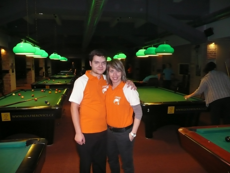 David Žalman a Veronika Hubrtová jsou ve finále mistrovství republiky v kulečníkovém billiardovém klubu Harlequin Praha dv ojice a smíšené dvojice