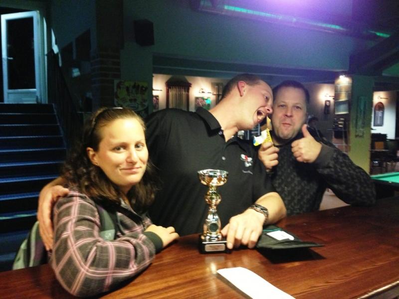 Hanka Kaslová, Tomáš Čermín a Honza Suchánek - Mistrovství Prahy 10 v poolbilliardu 2013