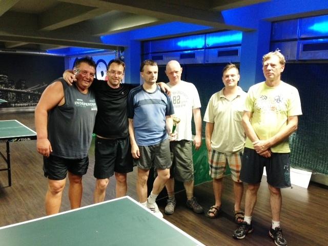 Dnes v Harlequinu opět turnaj v stolním tenise, Petr Češka poráží Láďu Doležela!