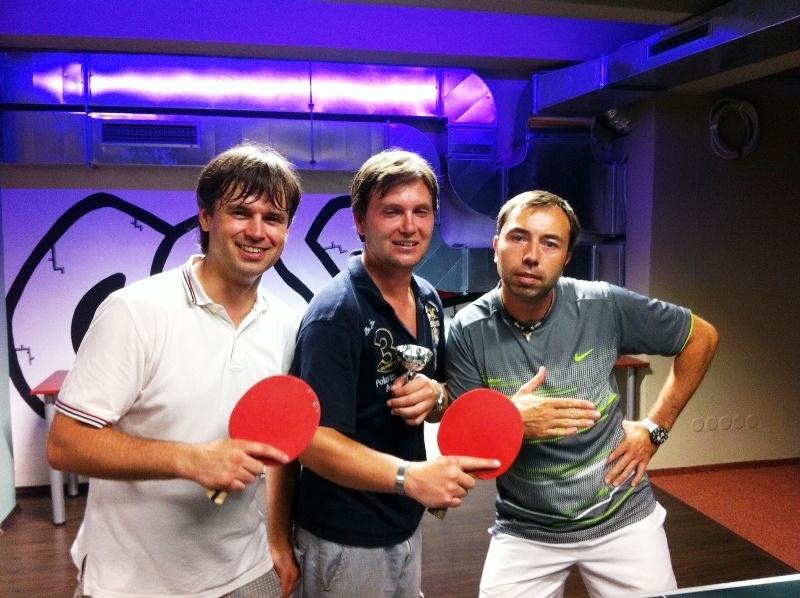 zleva Prášil, Fiala a Švambera billiard - kulečník - ping pong Praha 10
