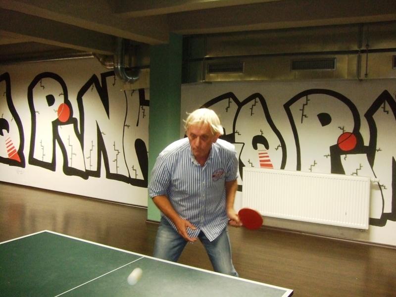 Jaromír Kumšta                      kulečník - billiard - snooker - ping pong - stolní tenis - Praha 10 - Harlequin Praha - bowling - šipky - fotbálek - zábava - feremní večírky - svatby