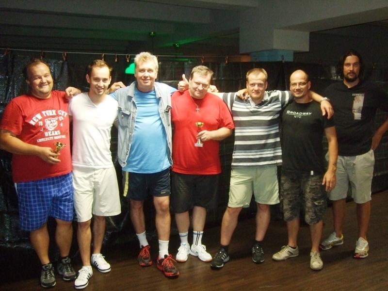 Fan club Ivana Courtona!                      kulečník - billiard - snooker - ping pong - stolní tenis - Praha 10 - Harlequin Praha - bowling - šipky - fotbálek - zábava - feremní večírky - svatby
