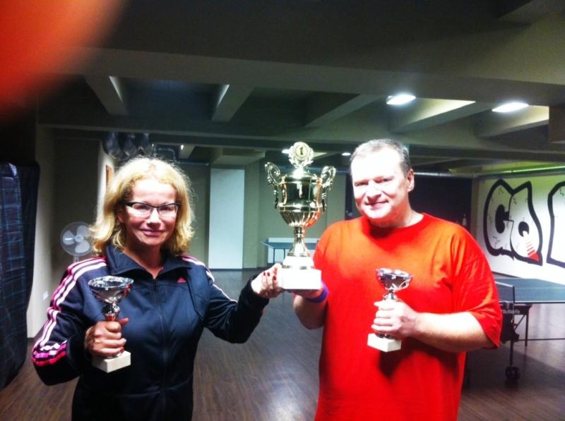 Jitka Asterová a Ivan Courton, vítězové  smíšené čtyřhry, Harlequin Praha kulečník billiard