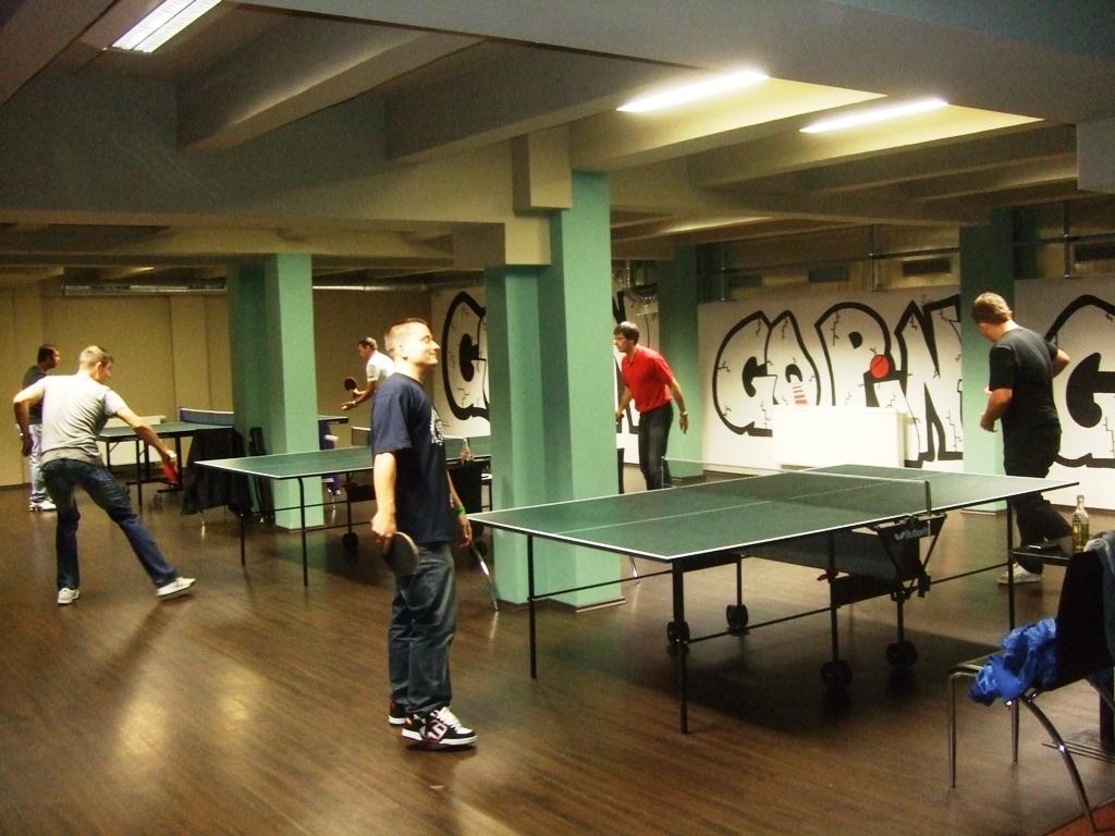 celkový pohled billiard - kulečník - ping pong Praha 10